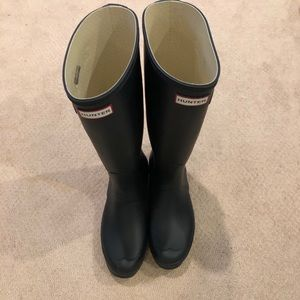Navy size 10 hunter tall boots